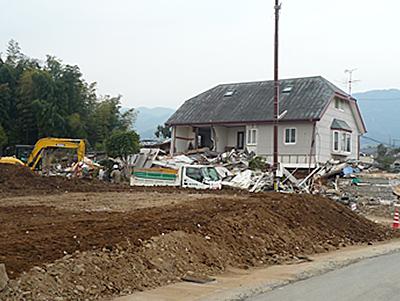 震災後の本県益城町の様子